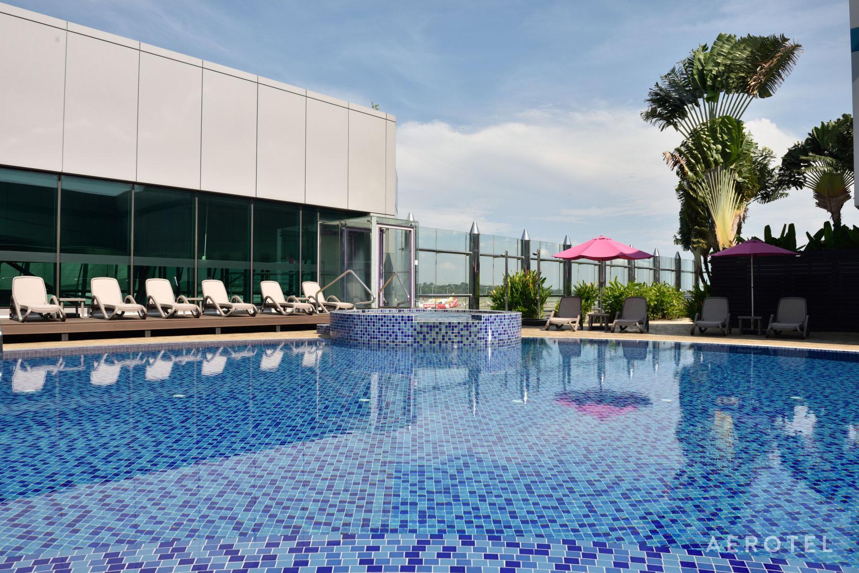 aerotel_swimming-pool