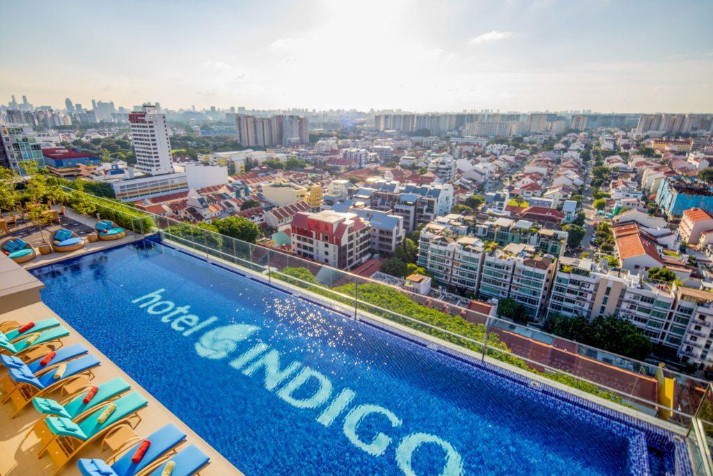 hotel-indigo-rooftop_infinity_pool