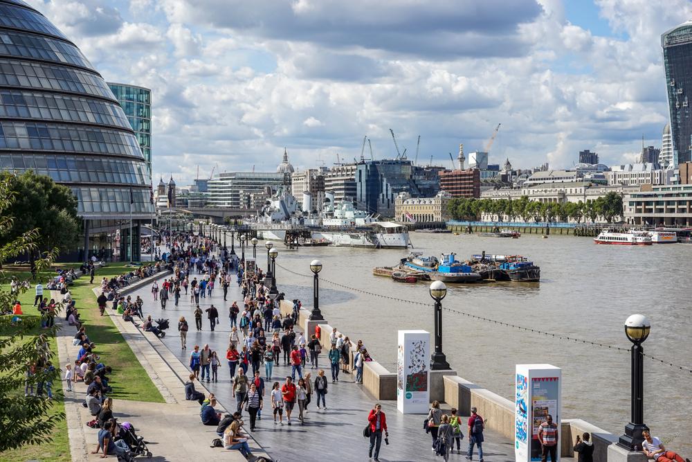 city-hall-promenade-in-london