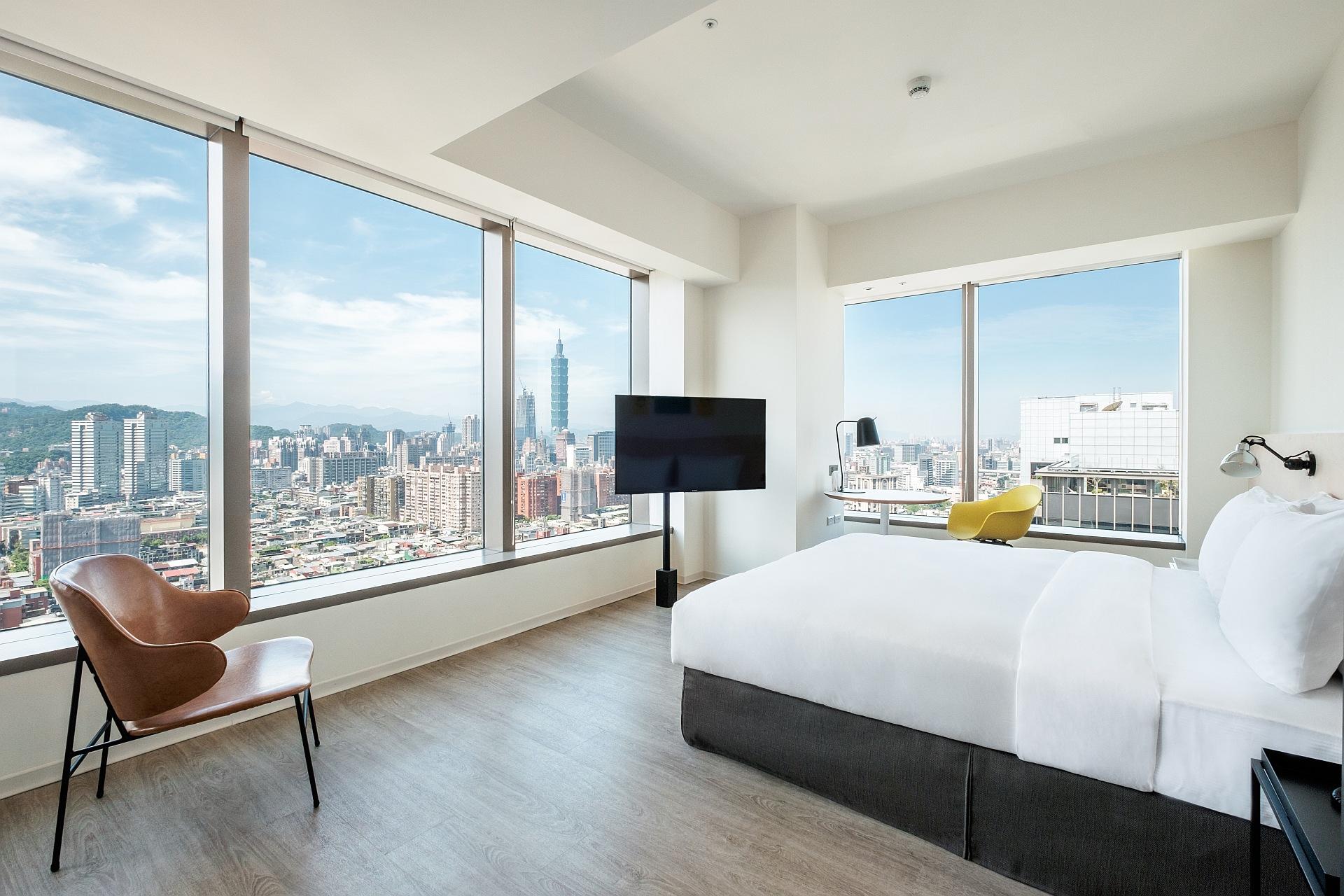 Corner Taipei 101 View Room | amba Taipei Songshan Hotel