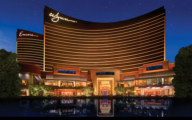 Former CEO Steve Wynn sells remainder of stake in Wynn Resorts