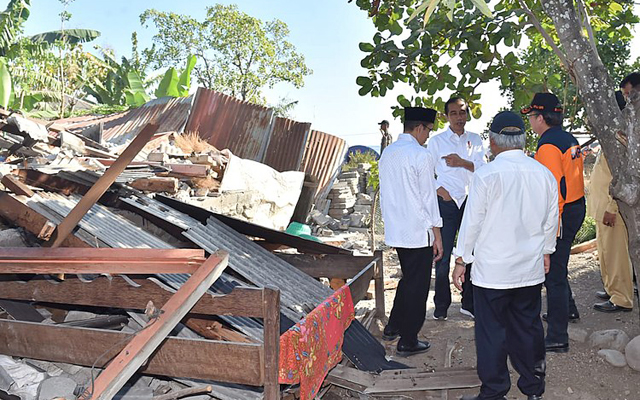 Powerful quake rocks Indonesia's Lombok island, 82 dead