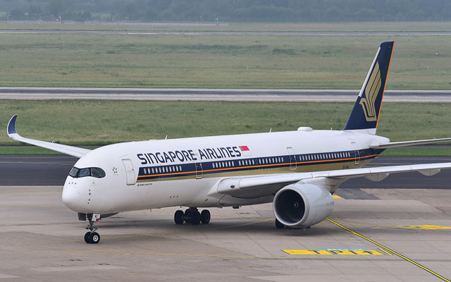 SINGAPORE AIRLINES Airbus A350 900